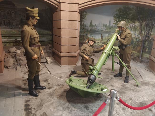 Румынские солдаты времён социализма, военно-исторический музей