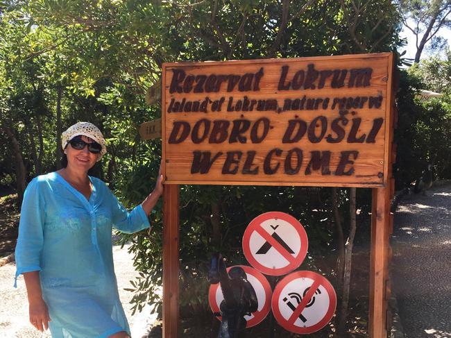 Добро дошли (фото с острова Локрум, но суть «Добро пожаловать» от этого не поменялась