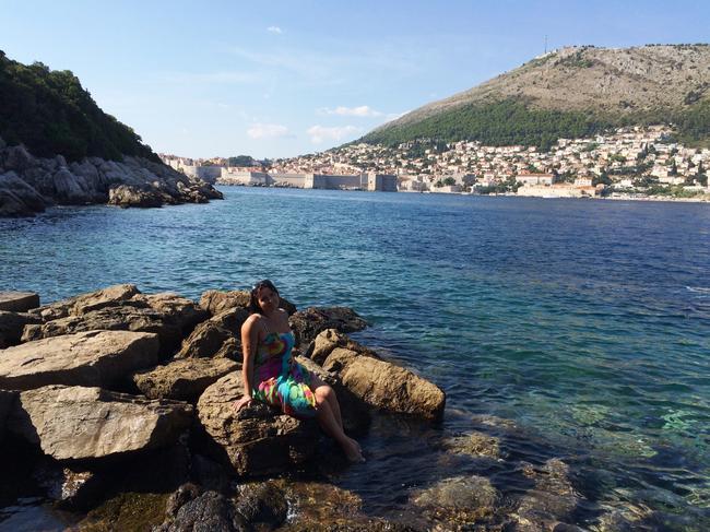 А за спиной моей любимой — море и Дубровник