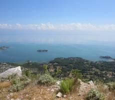 вид на Скадарское озеро