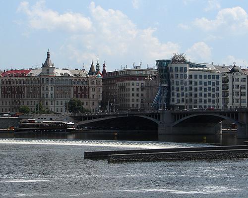 Йирасиков мост