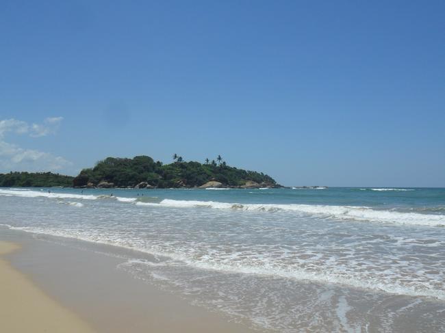 остров на пляже Алутгама