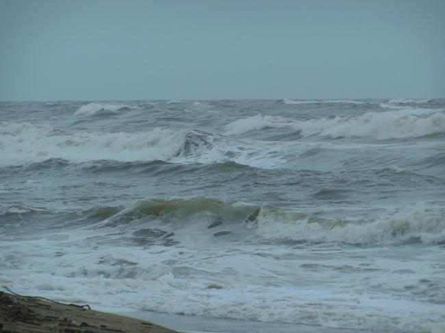 штормит и ветер
