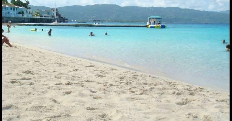 пляж в мобее