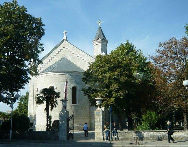 Требинье. Католический храм