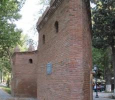 Стена крепости Гянджи