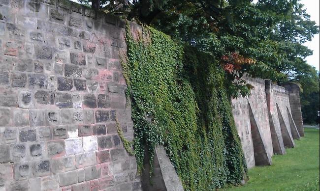 Крепостная стена Старого города в Нюрнберге.