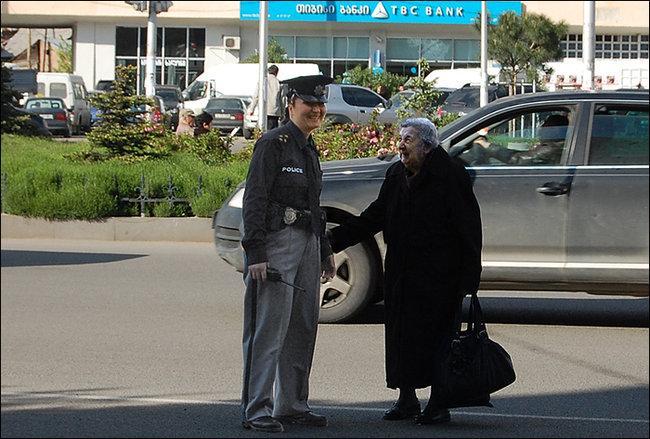 полиция и бабушка
