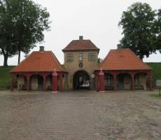 Двор замка Кастеллет