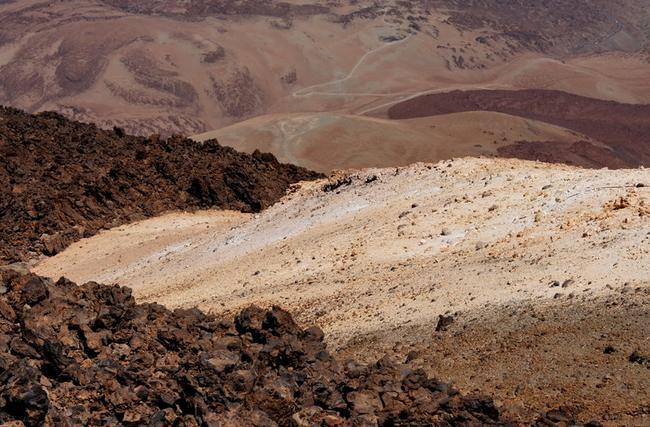 В большом кратере