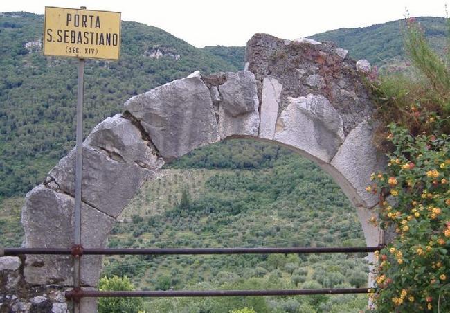 Куда ведут ворота св.Себастьяна ХIV в.