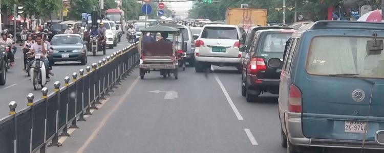 Пномпень на подъезде к автовокзалу.