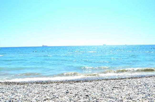 Пляж возле отеля Sveltos