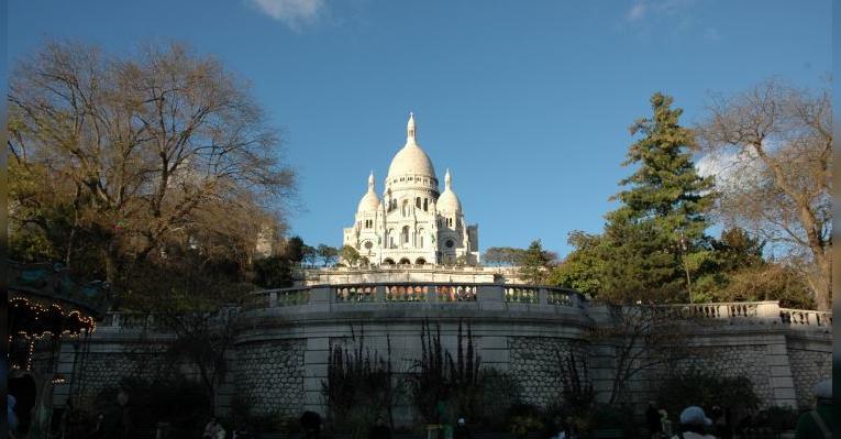 Впервые попав в Париж, ни с чем не перепутаешь этот красивейший собор