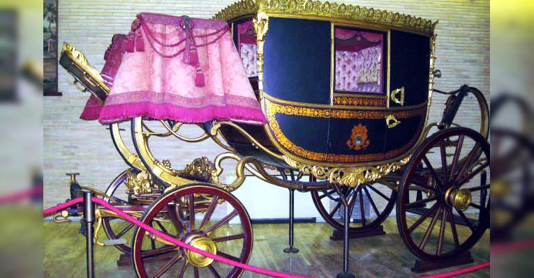 Папская карета
