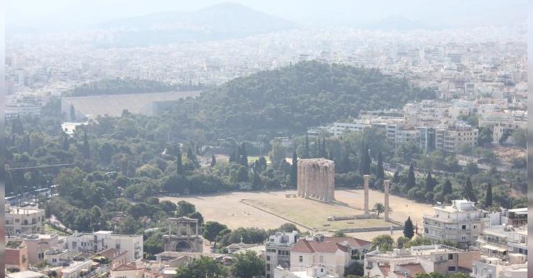 Вид с обзорной площадки на Храм Зевса