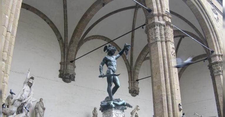Некоторые скульптуры жуткие
