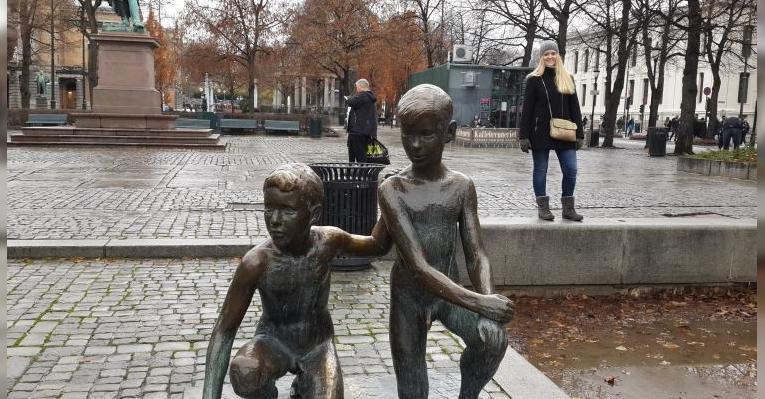 статуи детей