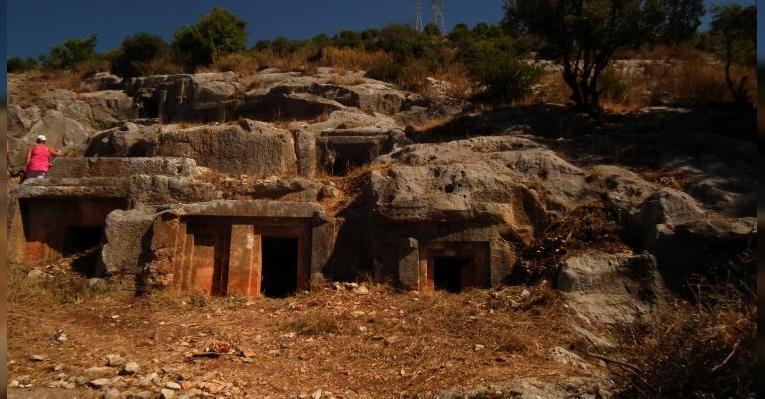 склепы древних ликийцев