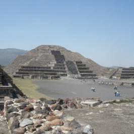 Пирамиды Солнца и Луны Теотиукан
