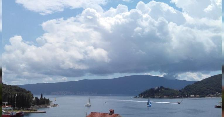 Вид на Бока-Которскую бухту