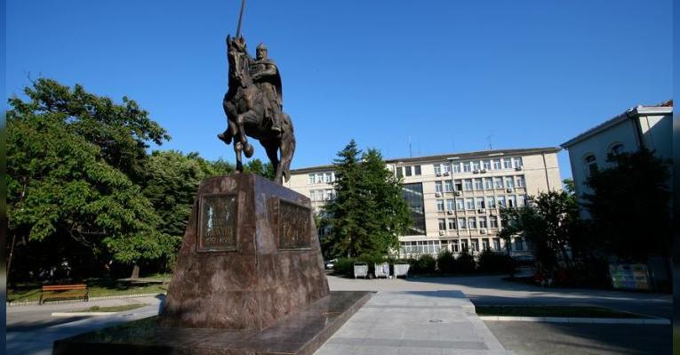 Памятник царю Калояну. Варна