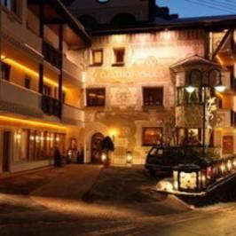 Restaurant Stuva / Hotel Yscla