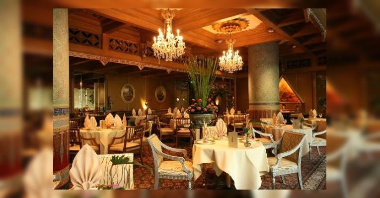 Снимок Benjarong Thai Restaurant, Bathurst