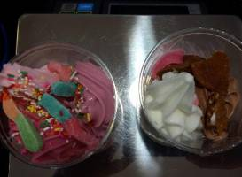 Jewelberry Frozen Premium Yogurt