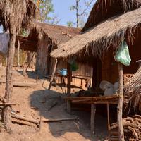 Villaggio Yapa, Tribu Padaung, Donne Giraffa