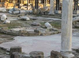 Церковь Агиа Кириаки и столб святого Павла