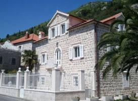 Lucic-Kolovic-Matikola Palace