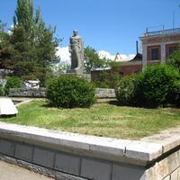 Monument to Ivan Nazukin
