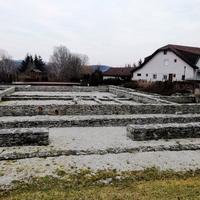 Roman Ruin Garden