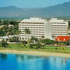 Mercure Harbourside Cairns Hotel