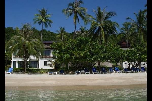 Вид на Panwa Beach Resort с моря