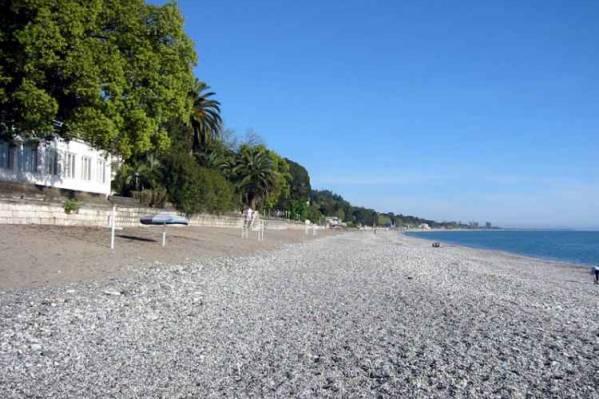 Нарт, пляж в стор. Пицунды