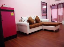 Ponlaan Apartment