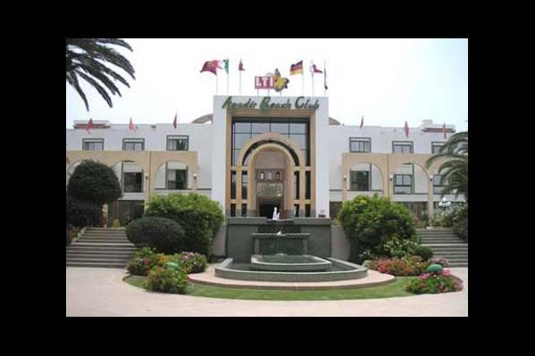 Центральный вход в отель