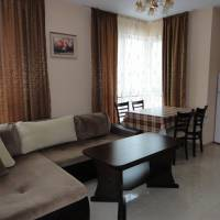 Zefira Apartments
