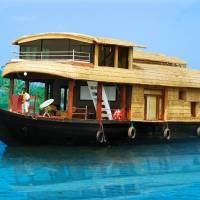 Desire Cruises Houseboat