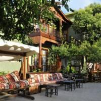 Maya Oscar Hotel