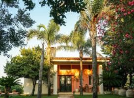 Luxury Hilltop Villa 200m from the Beach