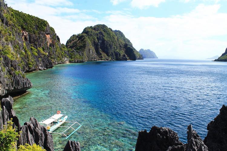 10 отелей на Филиппинах обвинили в сбросе сточных вод в море