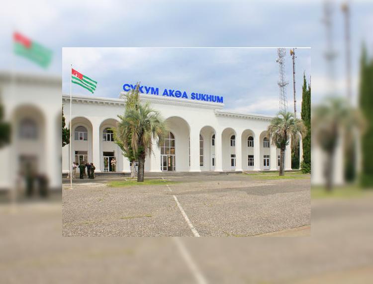 Откроет ли Абхазия авиасообщение с Россией этой осенью?