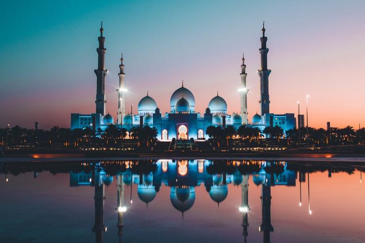 Арабская ночь и не только — почувствуйте себя настоящим шейхом в сказочных ОАЭ