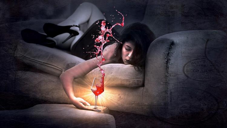 Два бокала красного вина помогут быстро заснуть во время полета. Так считает глава крупнейшей авиакомпании мире
