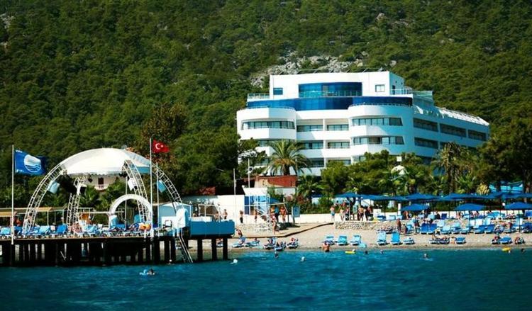 В Турции новый налог на услуги для туристов шокировал местных отельеров