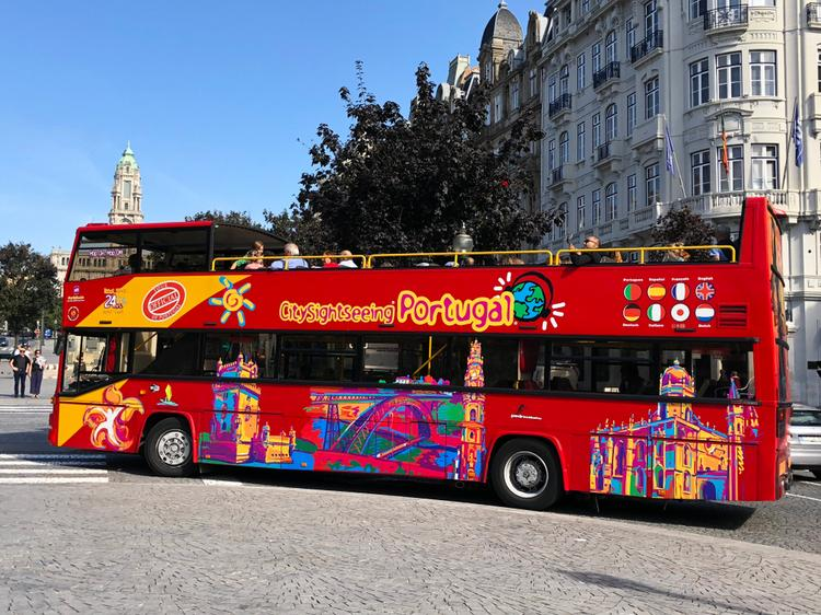 Определены города, где на автобусах Hop On Hop off даже не можно, а нужно ездить, Туристам Коломны, турфирмы Россия Лондон автобус