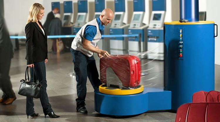 Сотрудники Emirates назвали главную ошибку пассажиров при сборе ручной клади